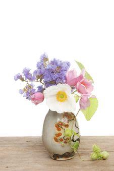 Free Small Flower Arrangement Royalty Free Stock Photos - 15832848