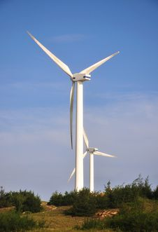 Free Two Windmill Power Generator Royalty Free Stock Photos - 15836718