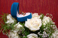 Free Wedding Rings In Blue Box And Rose Royalty Free Stock Photography - 15841697