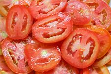 Free Red Sliced Tomatoes On Plate With Water Drops Royalty Free Stock Photo - 15842155