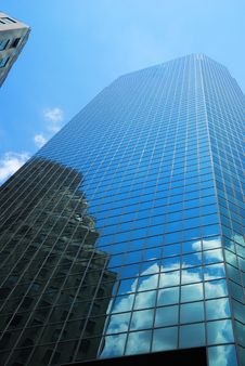Free Skyscraper With Reflection Of Cloud And Building Stock Photography - 15845072