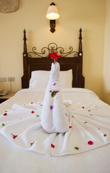Free Decoration On A Hotel Bed Royalty Free Stock Images - 15846399