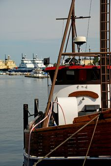 Free Fisher Boat At Helsinki Waterfront Stock Images - 15850224