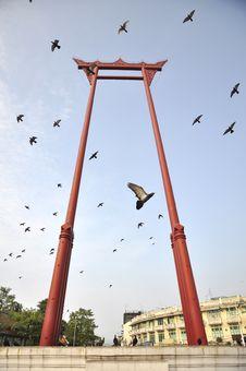 Free Sao Chingcha Flying Pigeon Bangkok Royalty Free Stock Images - 15852229