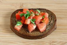Free Toast With Cut Tomato Royalty Free Stock Image - 15861856