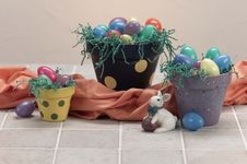 Free Three Easter Painted Pots Royalty Free Stock Photography - 15861877