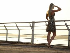 Free Blond Lady Looking Ahead Stock Photo - 15862550