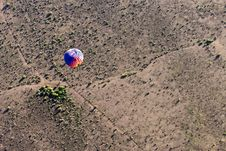 Free Hot Air Balloon Over Desert Royalty Free Stock Photography - 15866897