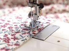 Free Sewing Machine Stock Photography - 15868042