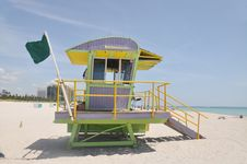 Free Tropical Beach Lifeguard Station Stock Photography - 15873932