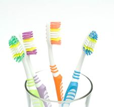 Free Colourful Toothbrushes Royalty Free Stock Image - 15874596