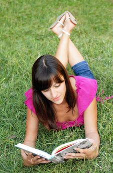 Free Young Woman Reading A Book Royalty Free Stock Photo - 15878625