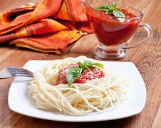 Free Spaghetti Royalty Free Stock Image - 15879776