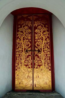 Free Thai-style Doors.Wat Phra Kaew. Stock Images - 15881444