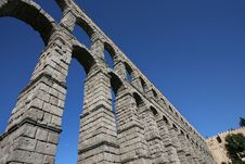 Free Roman Aqueduct At Segovia Stock Photos - 15884143