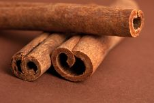Free Cinnamon Sticks On Brown Stock Photography - 15886232