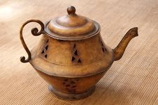 Free Old Brass Teapot Royalty Free Stock Photos - 15886698