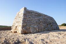 Free Prehistoric Tomb Stock Images - 15890064