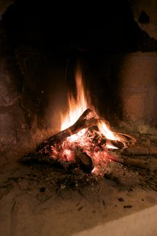 Free Burning Wood In Fireplace Stock Images - 15890074