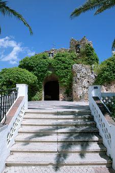 Free Grotto Of The Virgin De La Pena Royalty Free Stock Photos - 15892218