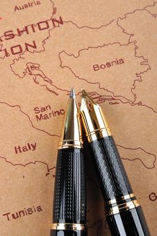 Free Pens And Map Royalty Free Stock Images - 15895029