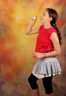 Free Girl Blowing Bubbles Royalty Free Stock Images - 15895059