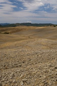 Free Plowed Field In Tuscany Italy Royalty Free Stock Images - 15897809