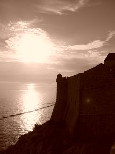 Free Dubrovnik Old Walls Royalty Free Stock Image - 1592726