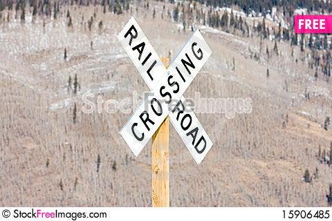 Free Railroad Crossing Royalty Free Stock Photo - 15906485
