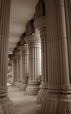 Free Fluted Columns Royalty Free Stock Photos - 15900068