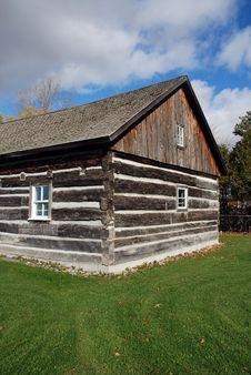 Free Beautiful Log Cabin Stock Photos - 15905363
