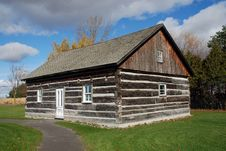 Free Beautiful Log Cabin Quebec Canada Stock Images - 15905384
