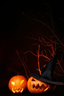 Free Halloween Background On Black The Black Background Royalty Free Stock Photos - 15905858