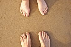 Free Feet Of A Couple At The Beach Stock Image - 15906171