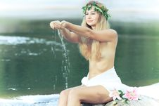 Free Forest Nymph Royalty Free Stock Photography - 15906477