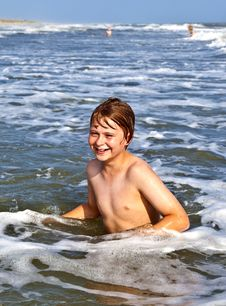Free Boys Enjoying The Beautiful Ocean And Beach Royalty Free Stock Photos - 15906488