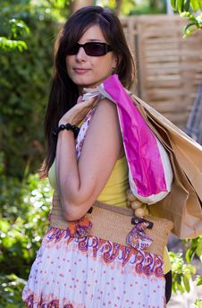 Free Beautiful Woman At A Shopping Center Royalty Free Stock Photography - 15907997