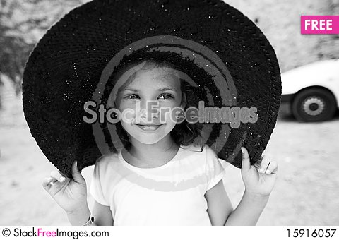 Free Beautiful Little Girl In A Wide Hat Royalty Free Stock Photography - 15916057