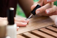 Free Applying Nail Polish Stock Photography - 15910082