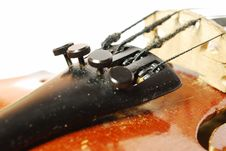 Free Machine To Adjust The Violin Stock Images - 15914694