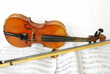 Free Treble Top Still Life Simple Violin Stock Photo - 15914940