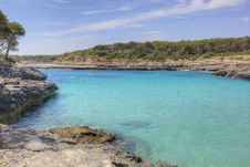 Free Wide View Of Sea Bay With Tarquois Water Royalty Free Stock Image - 15915826