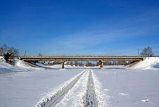 Free Car Bridge Stock Photography - 15920392