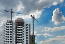 Free Construction Of An Apartment House Royalty Free Stock Image - 15921176