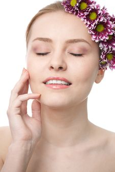 Free Beauty Woman Close-up Face With Flower Stock Photography - 15921692