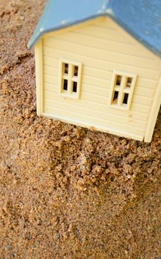 Free Toy House On Sand Stock Photo - 15923180