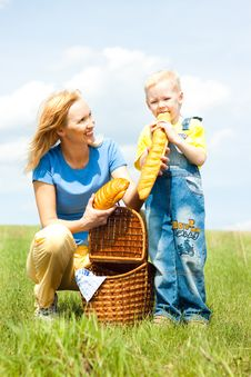 Free Mother And Son, Happy Family, Picnic Stock Photos - 15924923