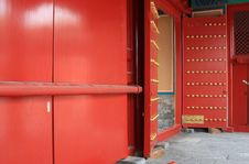 Free Red Door And Bolt Royalty Free Stock Photos - 15925978