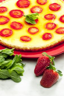 Free Strawberry Cake Stock Photo - 15928090