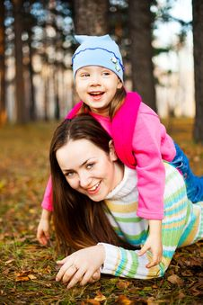 Free Mother And Daughter Royalty Free Stock Image - 15930026